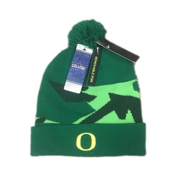 Oregon Ducks Nike Sideline Pom Beanie Hat Cap 2003da49f616